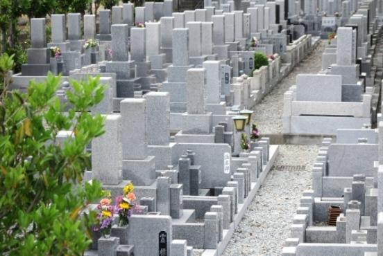 お墓を購入する時の平均相場と墓石を決める5つのポイント